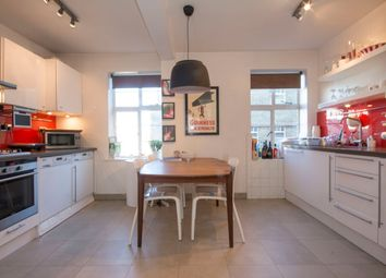 Thumbnail 2 bed flat to rent in The Pavement, Clapham Common