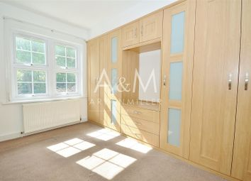 Thumbnail 1 bed flat for sale in Kendal Avenue, Epping