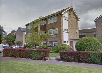 2 bed maisonette to rent in York Close, Horsham RH13
