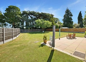 Priory Close, East Farleigh, Maidstone, Kent ME15. 3 bed detached bungalow