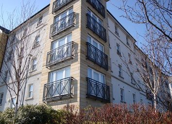 Thumbnail 2 bed flat to rent in Edmund Place, Dunfermline, Fife