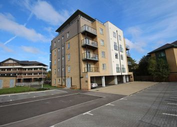 Thumbnail Flat for sale in Fleming Place, Bracknell