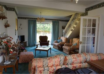 Thumbnail 2 bed bungalow for sale in Ray Lea Road, Maidenhead