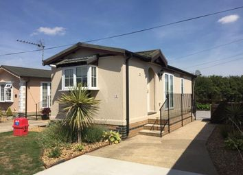 Thumbnail 1 bed mobile/park home for sale in Longstanton, Cambridge, Cambridgeshire