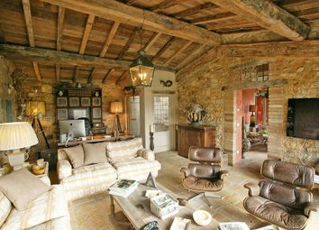 Thumbnail 5 bed villa for sale in Radda In Chianti, Tuscany, Italy