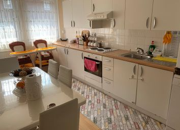 Thumbnail 4 bed flat to rent in Copperfield Mews, London