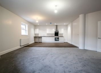 Thumbnail 2 bed flat to rent in Market Cross, Selby