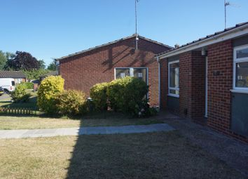 2 bed bungalow to rent in Mallard Close, Reading RG6