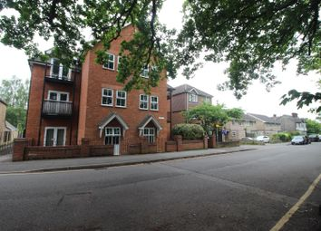 Thumbnail 1 bed flat to rent in Claremont Road, West Byfleet