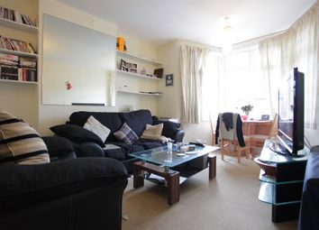 Thumbnail 1 bed flat to rent in Haslemere, London