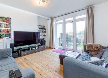 Thumbnail 3 bedroom town house to rent in Netherlands Road, New Barnet, Barnet