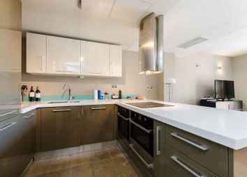 Thumbnail 2 bed flat to rent in Palace Place, St James's