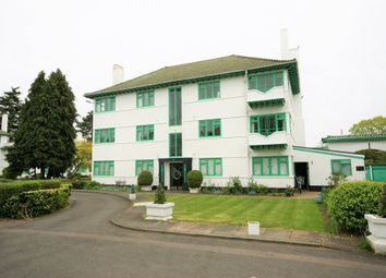 Thumbnail 3 bedroom flat to rent in Elm Park Road, Pinner