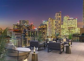 Thumbnail 3 bedroom flat for sale in Turnberry Quay, Canary Wharf, London