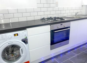 Thumbnail 2 bed flat to rent in Thornhill Road, Croydon