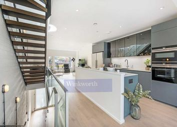 4 bed mews house for sale in King's Mews, London SW4