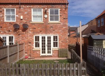 Thumbnail 3 bed town house to rent in Printing Office Lane, Crowle
