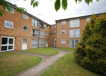 Thumbnail 1 bedroom studio to rent in Meadow Close, London Colney