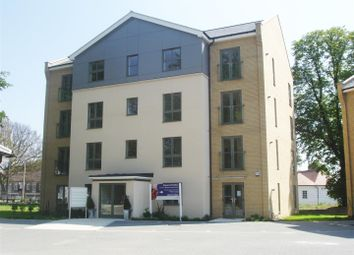 Thumbnail 2 bed flat to rent in Circular Road East, Colchester