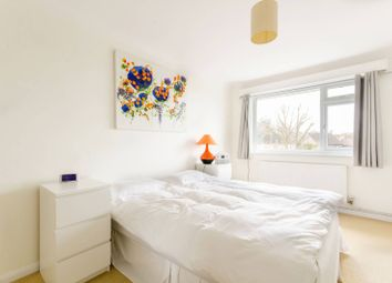 Thumbnail 2 bed maisonette for sale in Fairgreen, Cockfosters