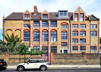 Thumbnail 3 bed flat to rent in Rutland Road, Hackney