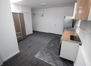Thumbnail 2 bedroom flat to rent in New Town Street, Luton
