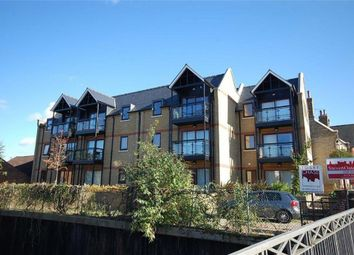 Thumbnail 2 bed flat to rent in Cowbridge, Hertford