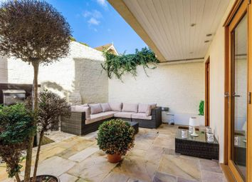 2 bed property for sale in British Grove, Chiswick W4