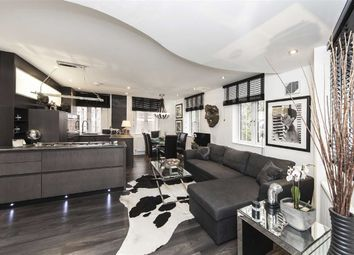 Thumbnail 2 bed flat to rent in The Mount, London