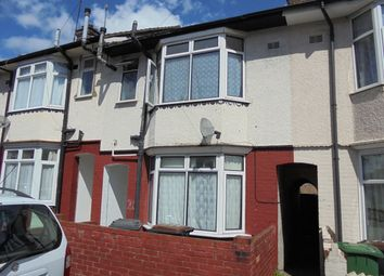 Thumbnail 3 bedroom terraced house to rent in Selbourne Road, Luton