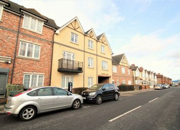 Thumbnail 2 bed flat to rent in Rosslyn Crescent, Harrow, Middlesex