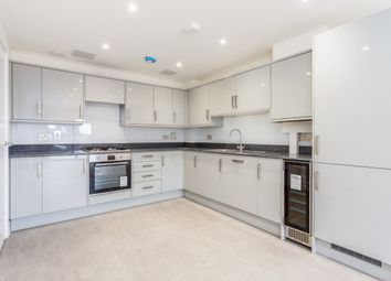 Thumbnail 3 bed flat to rent in Brighton Road, Horsham