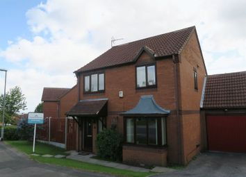 Thumbnail 4 bed detached house to rent in Ibbetson Oval, Churwell, Leeds
