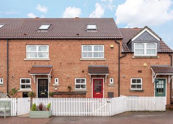 Thumbnail 3 bed town house for sale in Carpenters Court, Selby