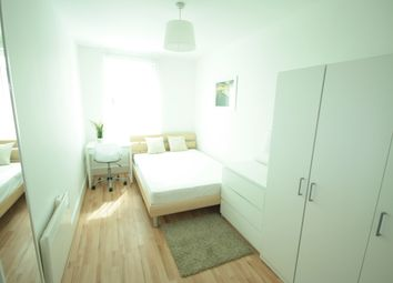 Thumbnail Room to rent in 14 St George Wharf, Vauxhall, Westmintster
