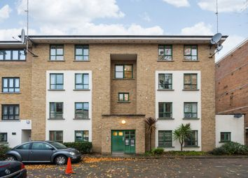 2 bed flat for sale in Green Lanes, London N4