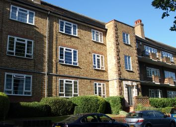 Thumbnail 2 bed flat to rent in Linksview, Great North Road, East Finchley