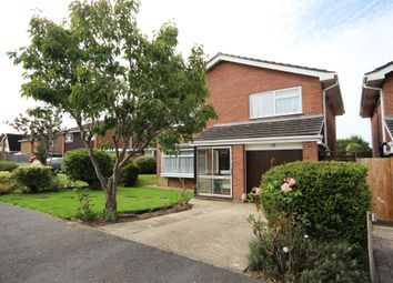 Oaks Close, Horsham RH12. 4 bed detached house