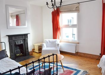 Thumbnail 1 bed flat to rent in York Road, Brentford