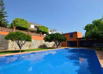 Thumbnail 4 bed villa for sale in Fuengirola, Málaga, Spain