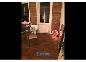 3 bed flat to rent in Grand Parade, London N4