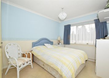 Thumbnail 2 bed flat for sale in Lower Queens Road, Ashford, Kent