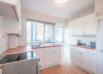 Thumbnail 2 bed flat to rent in River Court, Taplow, Maidenhead