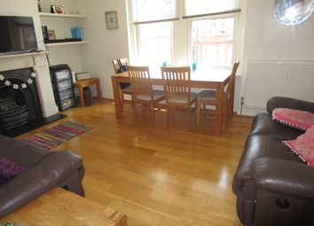 Broughton Road, Ealing W13. 3 bed flat for sale