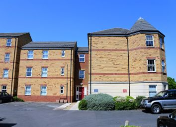 Thumbnail 2 bed flat for sale in Elvaston Court, Grantham