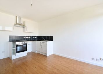 Thumbnail 2 bed flat to rent in Rowley Gardens, Finsbury Park, London