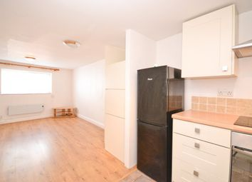 Thumbnail 1 bed flat to rent in St. Johns Road, Ryde