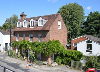 2 bed flat for sale in Lower Street, Haslemere GU27