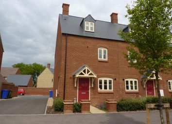 Thumbnail 3 bed town house to rent in Poppyfields Way, Brackley