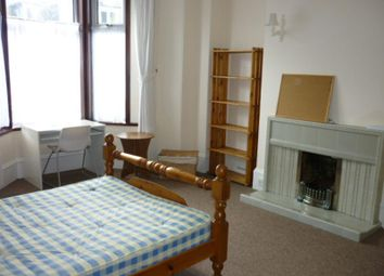 Thumbnail 3 bed flat to rent in Elmfield Avenue, Aberdeen